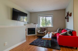 Photo 4: 137 951 Goldstream Ave in : La Goldstream Row/Townhouse for sale (Langford)  : MLS®# 870115