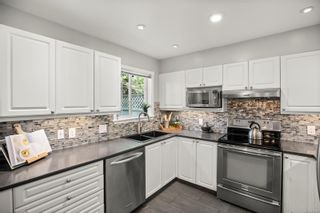 Photo 5: 20 14 Erskine Lane in : VR Hospital Row/Townhouse for sale (View Royal)  : MLS®# 871137