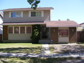 Photo 2: 1324 Norfolk Drive NW in Calgary: North Haven Upper Detached for sale : MLS®# A1139776