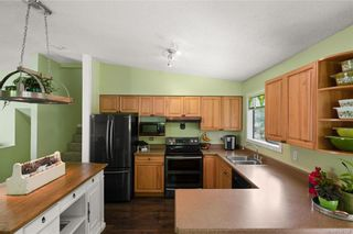 Photo 8: 2045 Wesbrook Dr in Sidney: Si Sidney North-West House for sale : MLS®# 844726