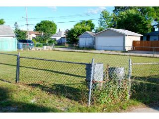 Photo 4: 534 Johnson Avenue East in WINNIPEG: East Kildonan Residential for sale (North East Winnipeg)  : MLS®# 1315190