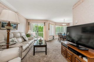 """Photo 5: 105 32145 OLD YALE Road in Abbotsford: Abbotsford West Condo for sale in """"Cypress Park"""" : MLS®# R2373888"""