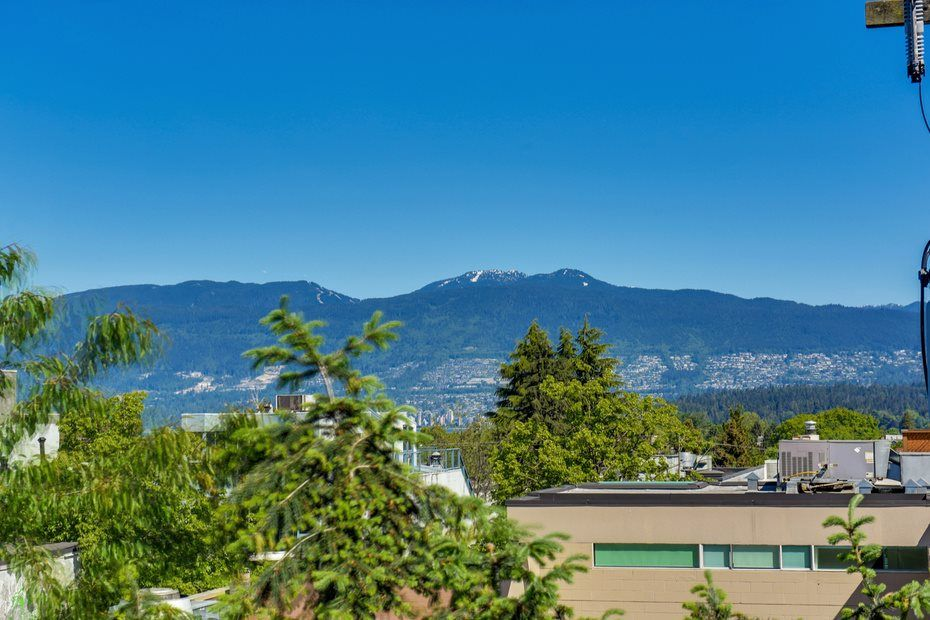 """Photo 15: Photos: 302 1933 W 5TH Avenue in Vancouver: Kitsilano Condo for sale in """"SAHLANO PLACE"""" (Vancouver West)  : MLS®# R2073154"""