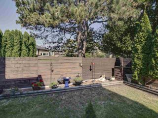 "Photo 27: 44 6871 FRANCIS Road in Richmond: Woodwards Townhouse for sale in ""Timberwood Village"" : MLS®# R2495957"