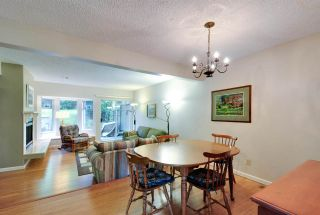 """Photo 3: 8895 FINCH Court in Burnaby: Forest Hills BN Townhouse for sale in """"PRIMROSE HILL"""" (Burnaby North)  : MLS®# R2061604"""