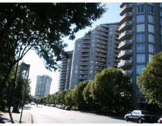 """Photo 1: 902 1185 QUAYSIDE DR in New Westminster: Quay Condo for sale in """"The Riviera"""" : MLS®# V588985"""