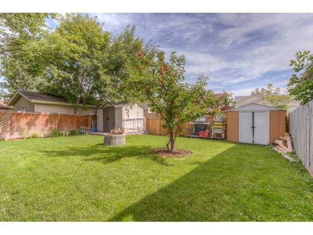 Photo 4: Photos: 39 SHAWGLEN Place SW in CALGARY: Shawnessy Residential Detached Single Family for sale (Calgary)  : MLS®# C3633354