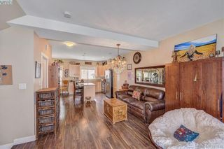 Photo 8: 111 2889 Carlow Rd in VICTORIA: La Langford Proper Row/Townhouse for sale (Langford)  : MLS®# 787688