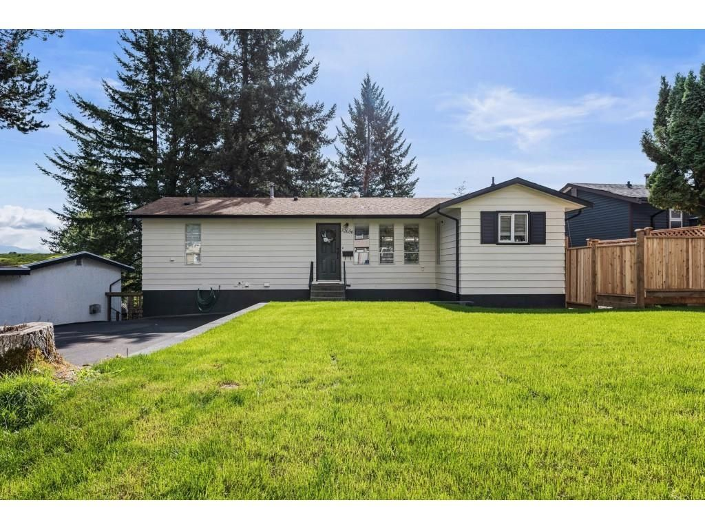 """Main Photo: 32656 BOBCAT Drive in Mission: Mission BC House for sale in """"West Heights"""" : MLS®# R2623384"""