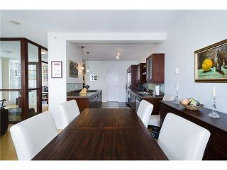 """Photo 10: 2101 1228 W HASTINGS Street in Vancouver: Coal Harbour Condo for sale in """"Palladio"""" (Vancouver West)  : MLS®# R2568240"""