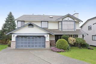 Photo 1: 6048 189A Street in Surrey: Cloverdale BC House for sale (Cloverdale)  : MLS®# R2054243