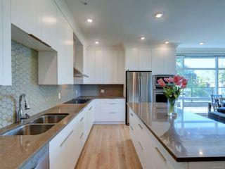 Photo 8: 401 1460 Pandora Ave in Victoria: Vi Fernwood Condo for sale : MLS®# 884978