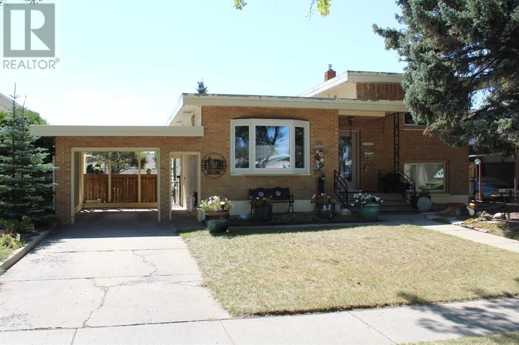 Main Photo: 2210 9 Avenue S in Lethbridge: House for sale : MLS®# A1143838