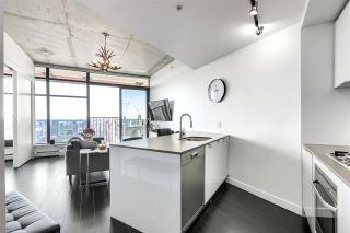 """Photo 4: 4109 128 W CORDOVA Street in Vancouver: Downtown VW Condo for sale in """"WOODWARDS"""" (Vancouver West)  : MLS®# R2551385"""