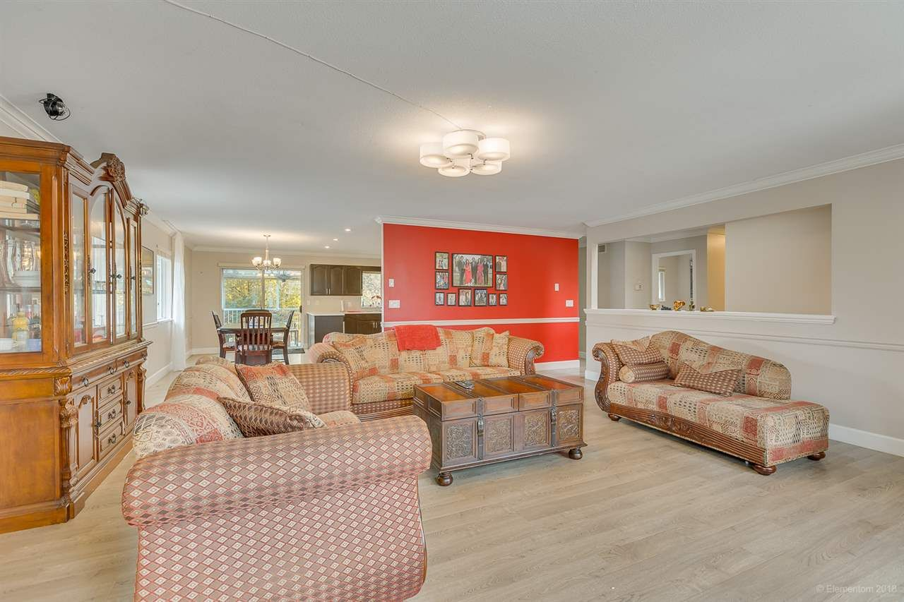 Photo 9: Photos: 19286 PARK Road in Pitt Meadows: Mid Meadows House for sale : MLS®# R2510376