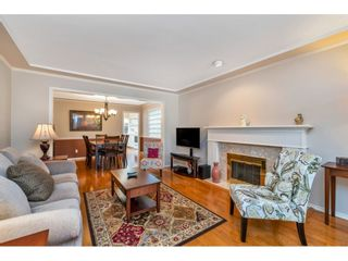 """Photo 4: 6139 W BOUNDARY Drive in Surrey: Panorama Ridge Townhouse for sale in """"LAKEWOOD GARDENS"""" : MLS®# R2452648"""