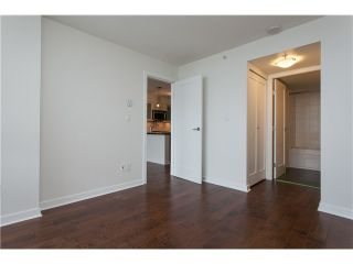 """Photo 10: 2006 1 RENAISSANCE Square in New Westminster: Quay Condo for sale in """"THE Q"""" : MLS®# V1043023"""