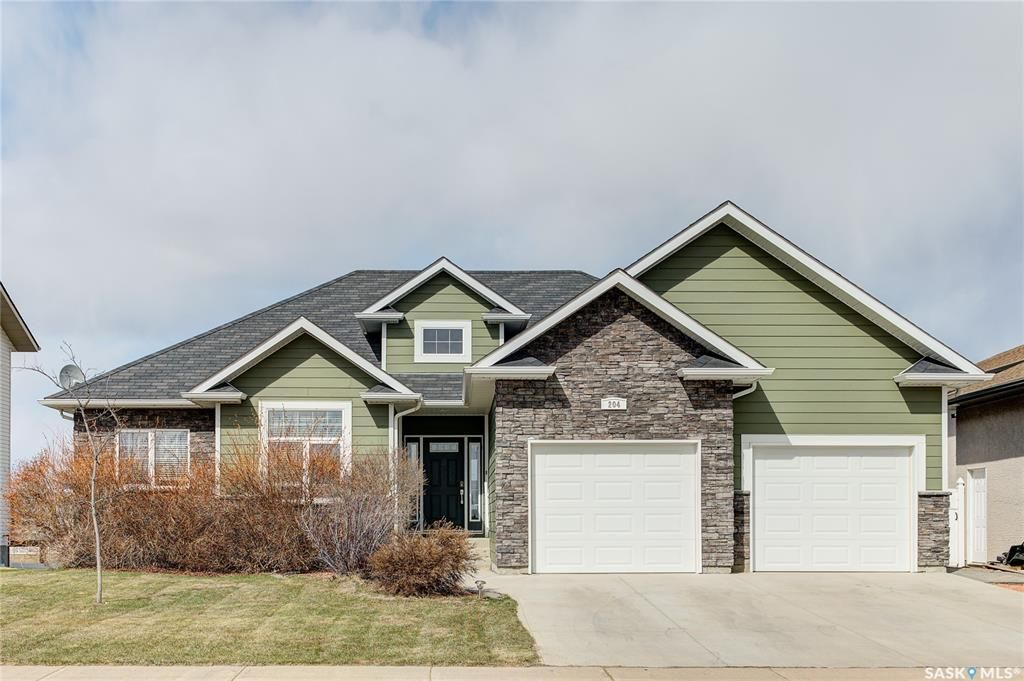 Main Photo: 204 Brookside Drive in Warman: Residential for sale : MLS®# SK851525