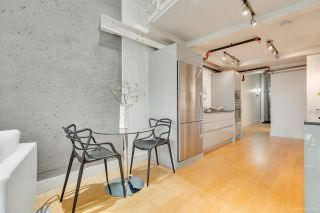 """Photo 12: 413 1529 W 6TH Avenue in Vancouver: False Creek Condo for sale in """"WSIX - South Granville Lofts"""" (Vancouver West)  : MLS®# R2435033"""