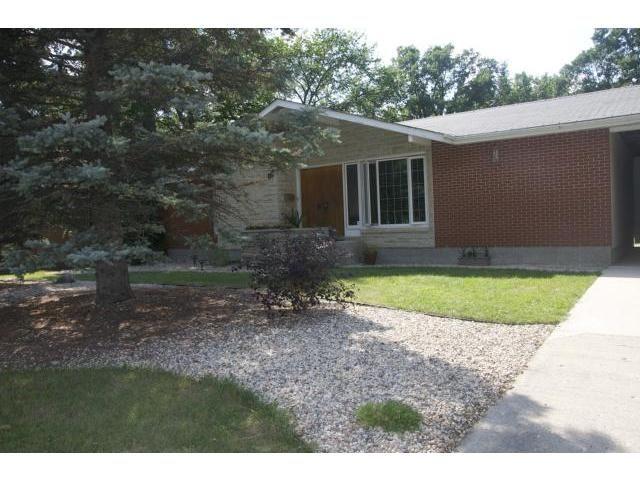 Main Photo: 99 Riverbend Avenue in WINNIPEG: St Vital Residential for sale (South East Winnipeg)  : MLS®# 1216465