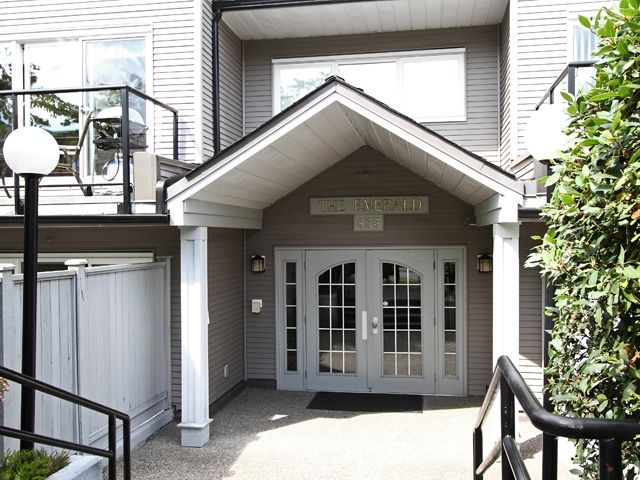 """Main Photo: 203 833 W 16TH Avenue in Vancouver: Fairview VW Condo for sale in """"THE EMERALD"""" (Vancouver West)  : MLS®# V906955"""