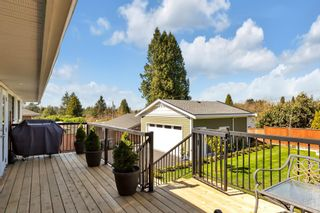 """Photo 30: 15125 CANARY Drive in Surrey: Bolivar Heights House for sale in """"birdland"""" (North Surrey)  : MLS®# R2563042"""