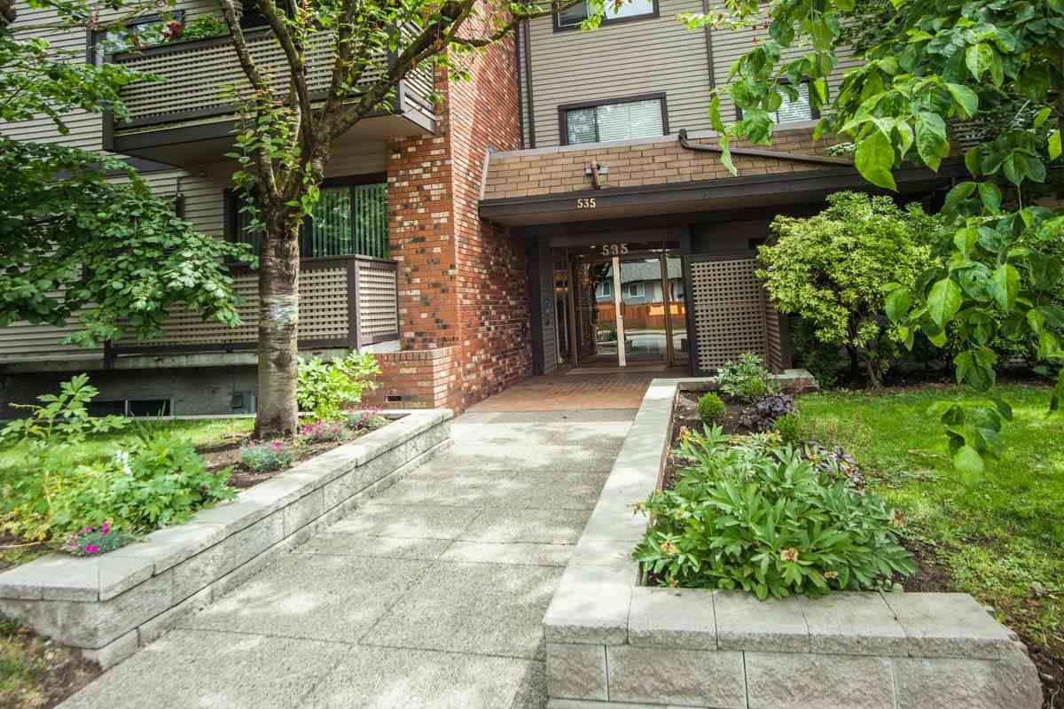 "Main Photo: 104 535 BLUE MOUNTAIN Street in Coquitlam: Central Coquitlam Condo for sale in ""REGAL COURT"" : MLS®# R2081346"