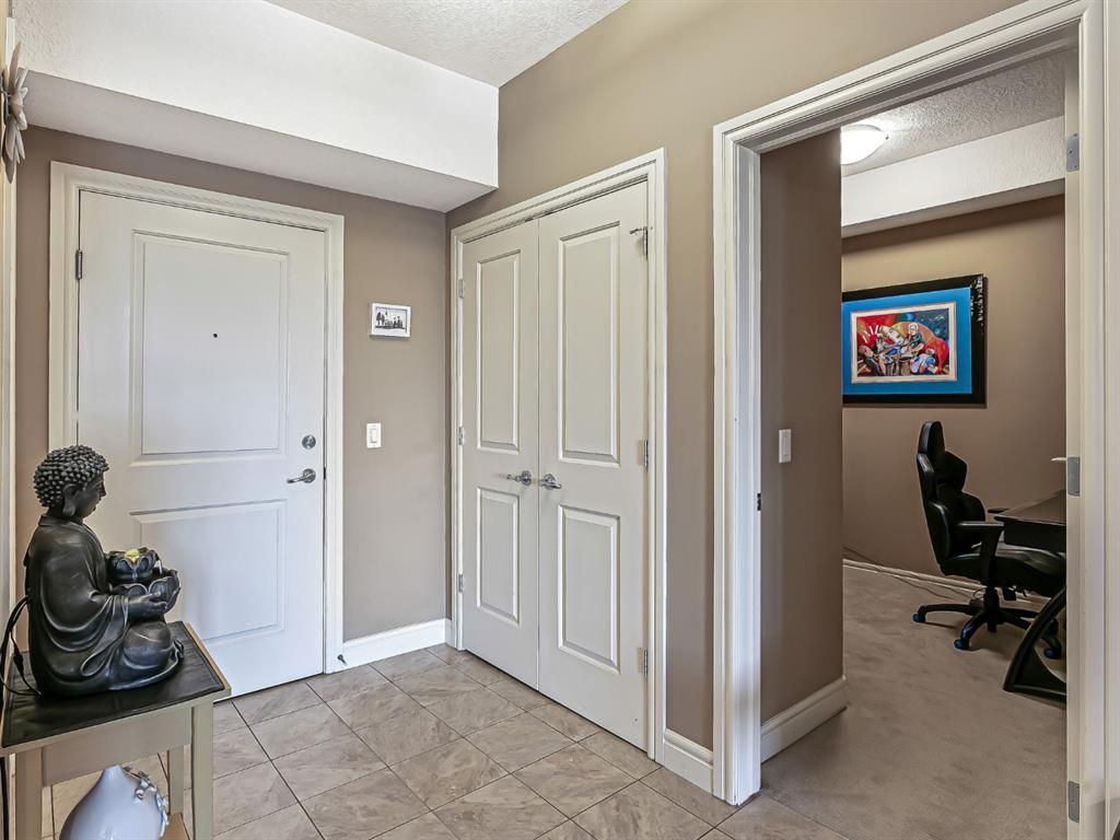 Photo 4: Photos: 1445 2330 FISH CREEK Boulevard SW in Calgary: Evergreen Apartment for sale : MLS®# A1082704