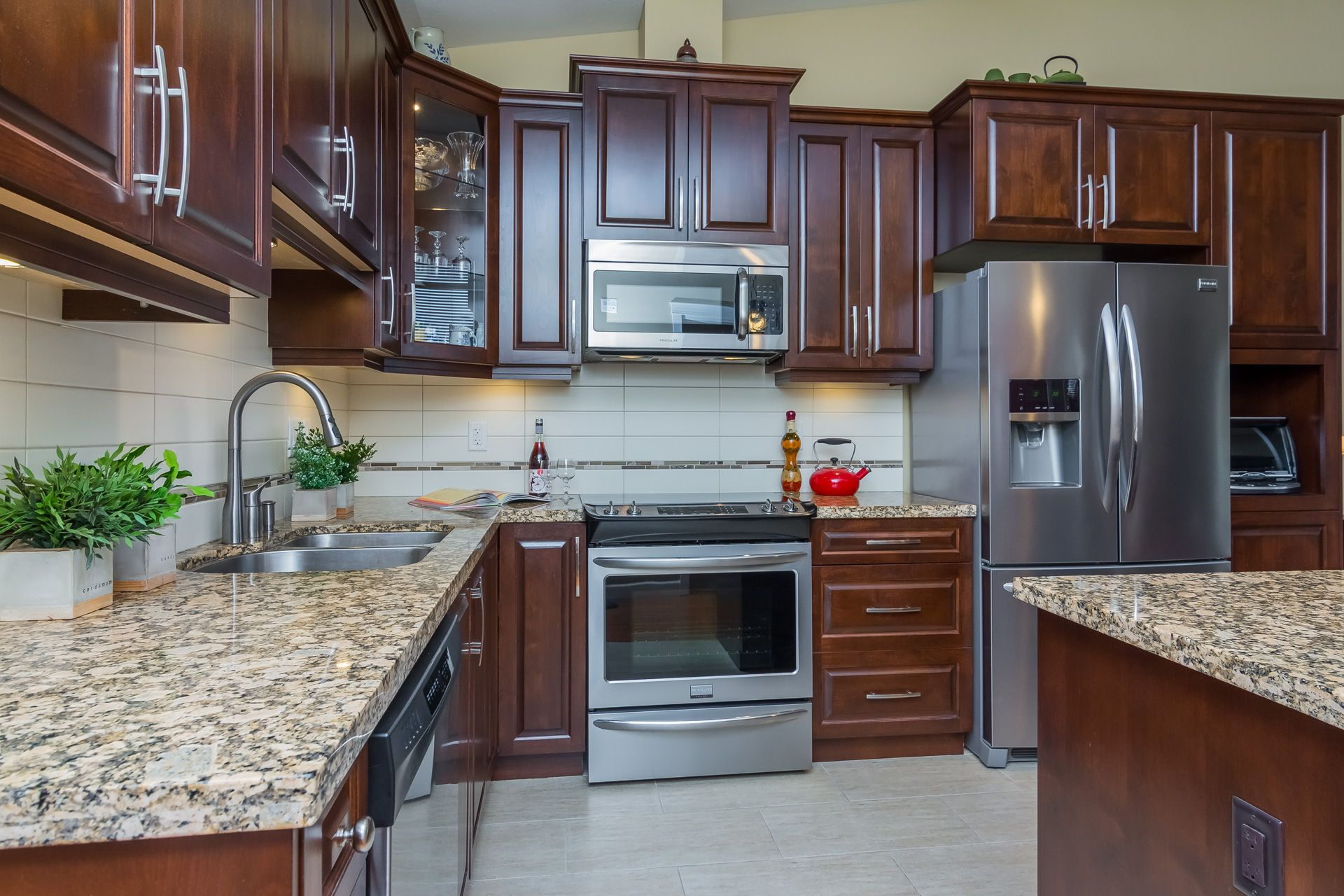 """Photo 16: Photos: 509 8258 207A Street in Langley: Willoughby Heights Condo for sale in """"YORKSON CREEK (BLG A)"""" : MLS®# R2221052"""