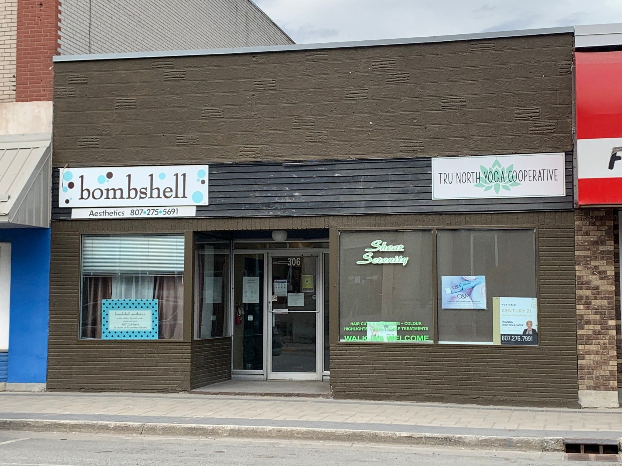 Main Photo: 306 Scott ST in Fort Frances: Retail for sale : MLS®# TB193903