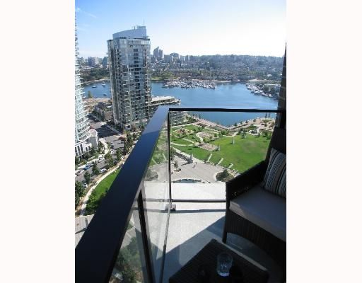 """Photo 9: Photos: 583 BEACH Crescent in Vancouver: False Creek North Condo for sale in """"TWO PARKWEST"""" (Vancouver West)  : MLS®# V634850"""