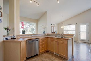 Photo 6: 355 Somerset Drive SW in Calgary: Somerset Detached for sale : MLS®# A1096882