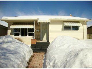 Photo 1: 451 MELBOURNE Avenue in WINNIPEG: East Kildonan Residential for sale (North East Winnipeg)  : MLS®# 1403957