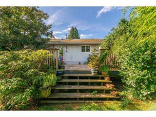 """Photo 16: 15623 18 Avenue in Surrey: King George Corridor House for sale in """"Sunnyside"""" (South Surrey White Rock)  : MLS®# R2369500"""