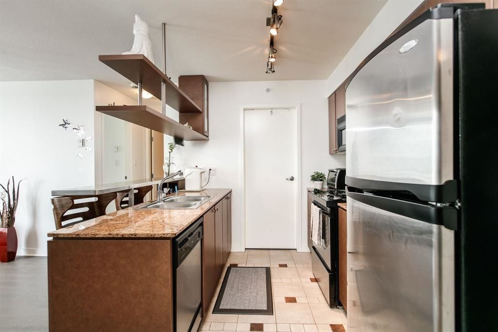 """Photo 7: Photos: 1105 1438 RICHARDS Street in Vancouver: Yaletown Condo for sale in """"AZURA 1"""" (Vancouver West)  : MLS®# R2109141"""