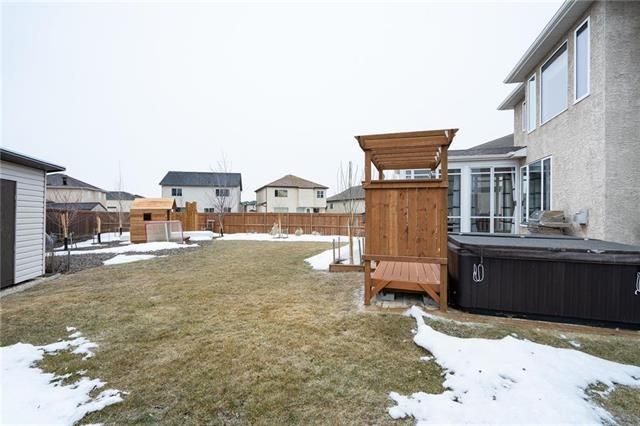 Photo 17: Photos: 18 Greyhawk Cove in Winnipeg: South Pointe Residential for sale (1R)  : MLS®# 1907959