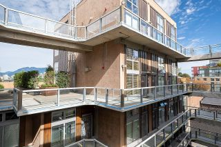 """Photo 23: 403 1529 W 6TH Avenue in Vancouver: False Creek Condo for sale in """"WSIX"""" (Vancouver West)  : MLS®# R2620601"""