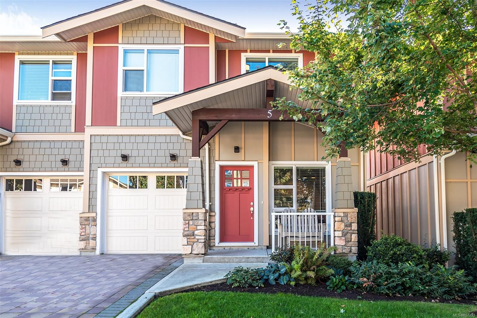 Main Photo: 5 1900 Watkiss Way in : VR View Royal Row/Townhouse for sale (View Royal)  : MLS®# 857793