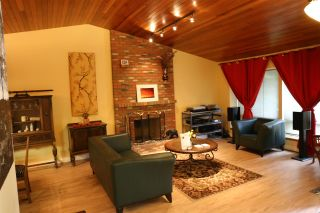 "Photo 3: 6565 WADE Road in Delta: Sunshine Hills Woods House for sale in ""Sunshine Hills Woods"" (N. Delta)  : MLS®# R2081121"