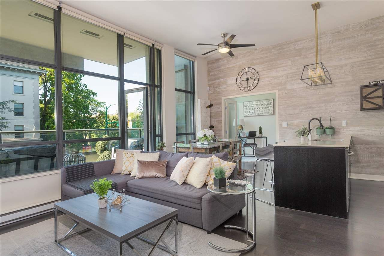 """Main Photo: 204 2851 HEATHER Street in Vancouver: Fairview VW Condo for sale in """"Tapestry"""" (Vancouver West)  : MLS®# R2495572"""