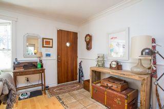 "Photo 3: 2847 GORDON Avenue in Surrey: Crescent Bch Ocean Pk. House for sale in ""CRESENT BEACH VILLAGE"" (South Surrey White Rock)  : MLS®# R2566027"
