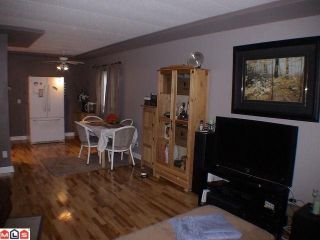 """Photo 7: 19 24330 FRASER Highway in Langley: Otter District Manufactured Home for sale in """"LANGLEY GROVE ESTATES"""" : MLS®# F1105758"""