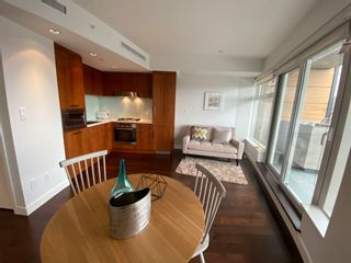 """Photo 9: 1102 1565 W 6TH Avenue in Vancouver: False Creek Condo for sale in """"6TH & FIR"""" (Vancouver West)  : MLS®# R2602181"""