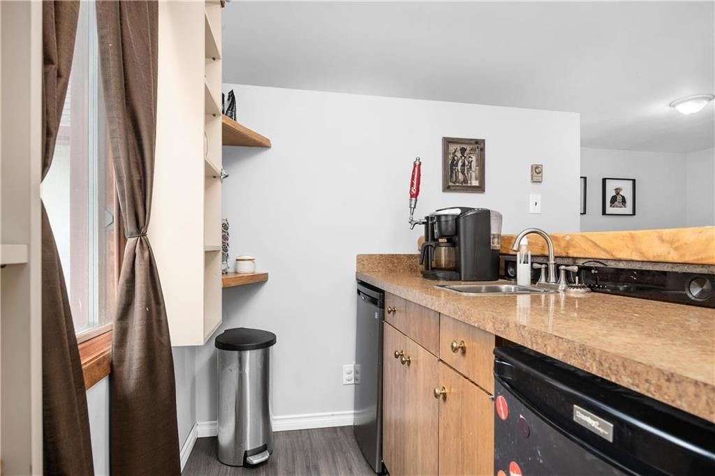 Photo 10: Photos: 145 Woodlawn Avenue in Winnipeg: Residential for sale (2C)  : MLS®# 202110539