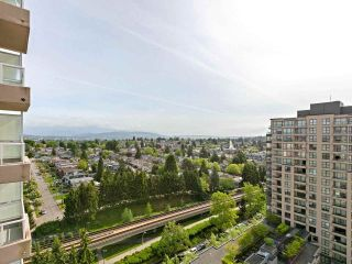 """Photo 17: 1802 5189 GASTON Street in Vancouver: Collingwood VE Condo for sale in """"THE MACGREGOR"""" (Vancouver East)  : MLS®# R2369458"""