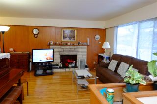 Photo 3: 2633 E 48TH Avenue in Vancouver: Killarney VE House for sale (Vancouver East)  : MLS®# R2131714