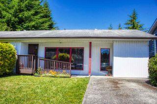 Photo 2: 5808 MEDUSA Street in Sechelt: Sechelt District House for sale (Sunshine Coast)  : MLS®# R2372533