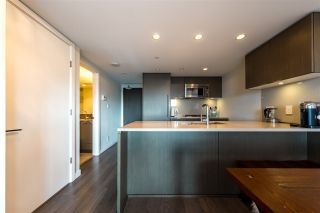 "Photo 8: 305 112 E 13TH Street in North Vancouver: Central Lonsdale Condo for sale in ""CENTREVIEW"" : MLS®# R2535152"