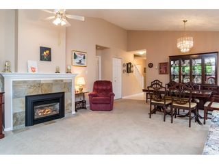 """Photo 5: 72 21138 88 Avenue in Langley: Walnut Grove Townhouse for sale in """"Spencer Green"""" : MLS®# R2122624"""