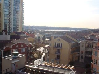 """Photo 8: 702 1 RENAISSANCE Square in New Westminster: Quay Condo for sale in """"THE Q"""" : MLS®# V844964"""
